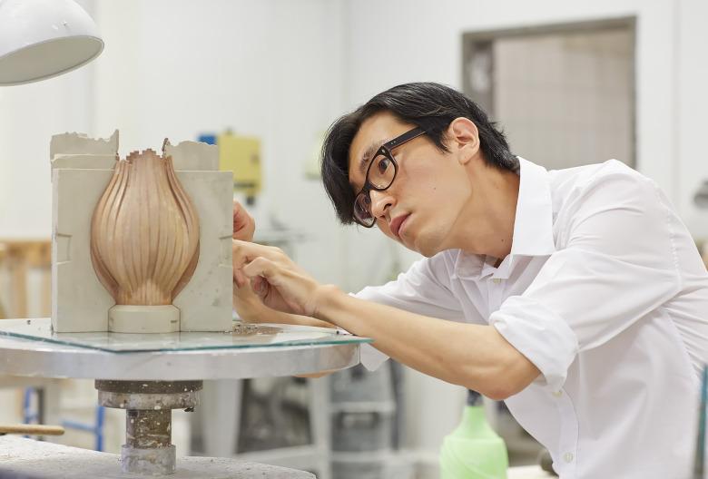 Master-Student-Kyungmin-Lee-bei-der-Arbeit_Foto-Marco-Warmuth